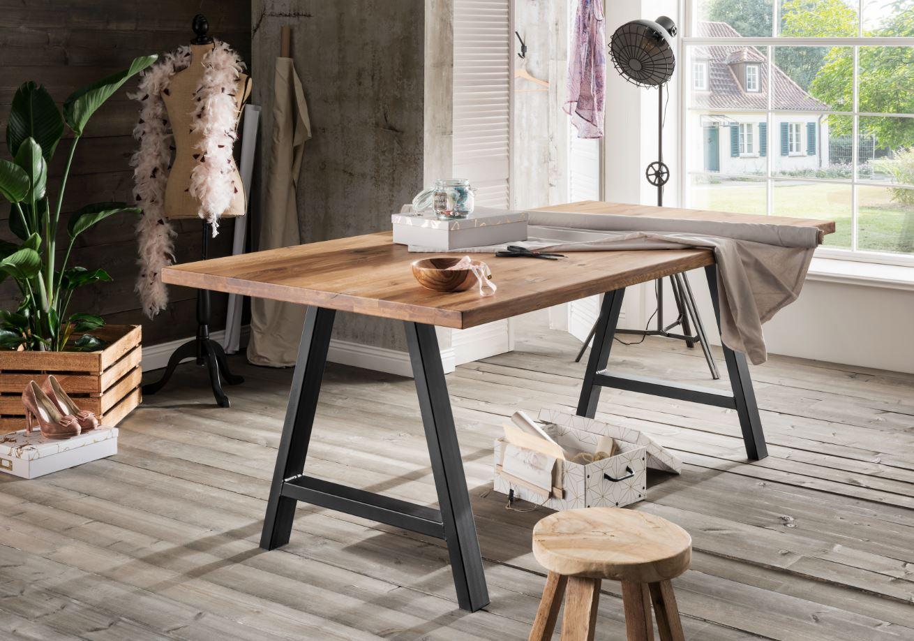 Das Tischsystem Wildeiche Natur
